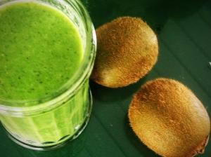 Kiwi + lime kale