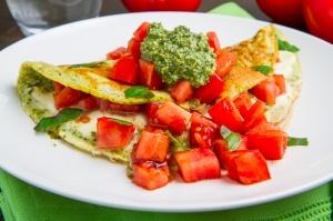 Caprese+Pesto+Omelette+500w+9476