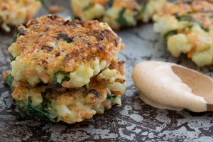 crispy_cauliflower_carrot_fritters_with_smoky_garlic_aioli_recipe