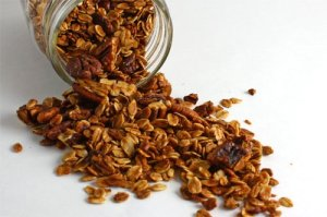 Maple+Pecan+Granola+500