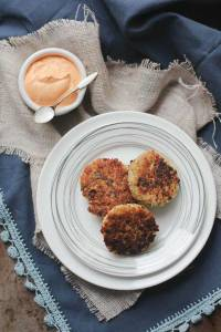 crispy_quinoa_cakes_with_roasted_red_pepper_cashew_cream