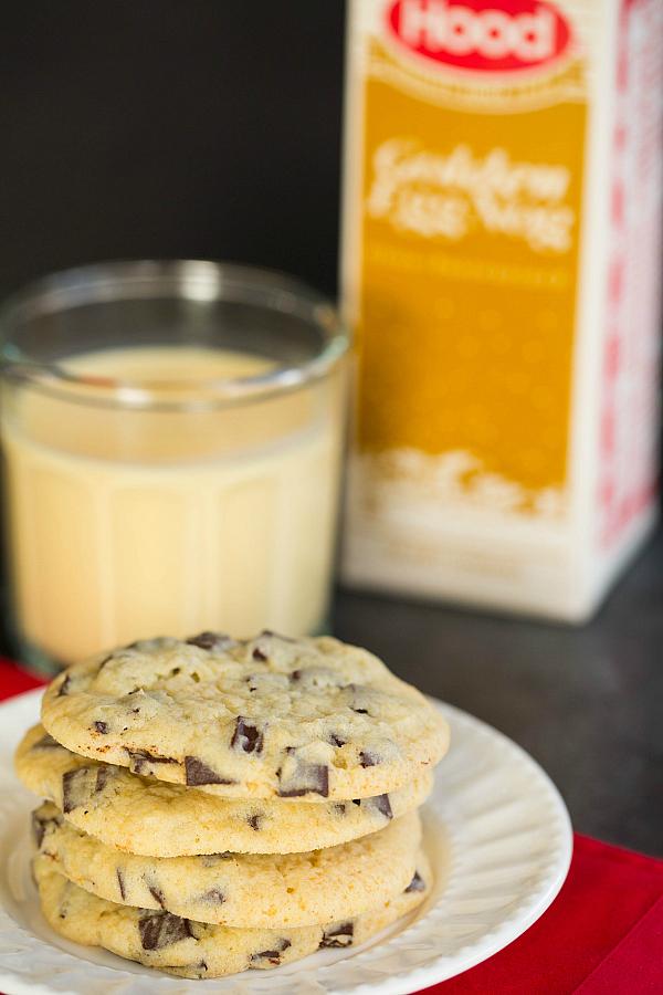 eggnog chocolate-chunk-cookies-25-600