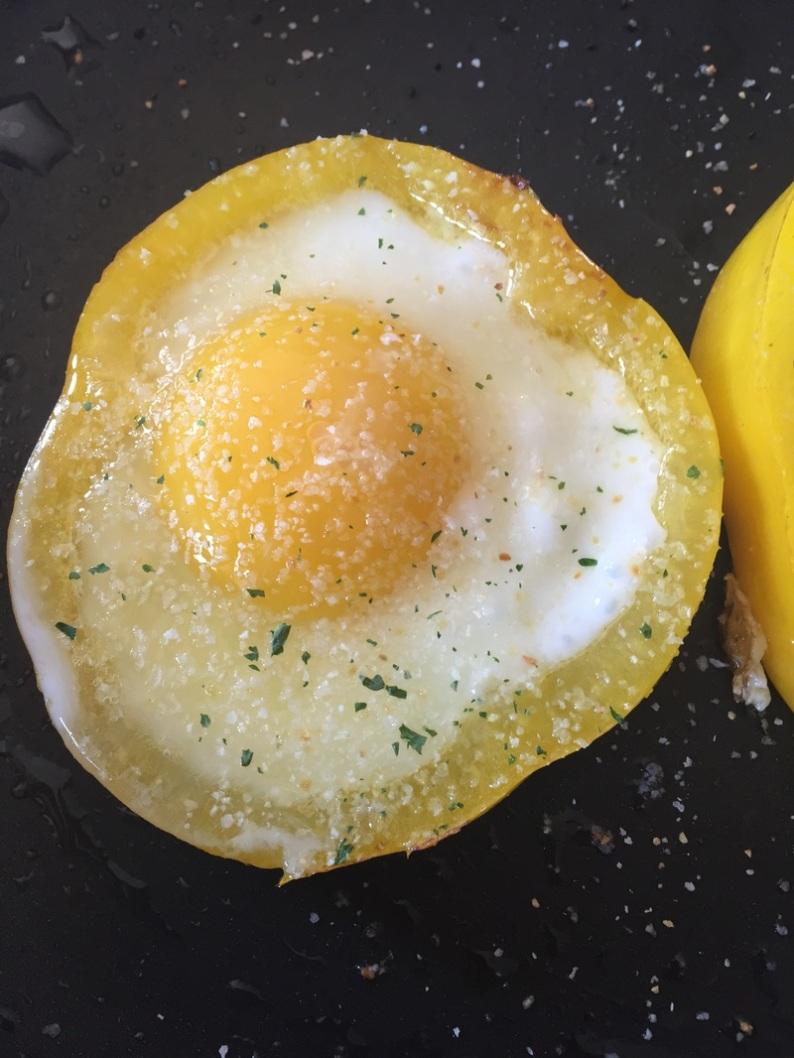 eggs in a pepper 2