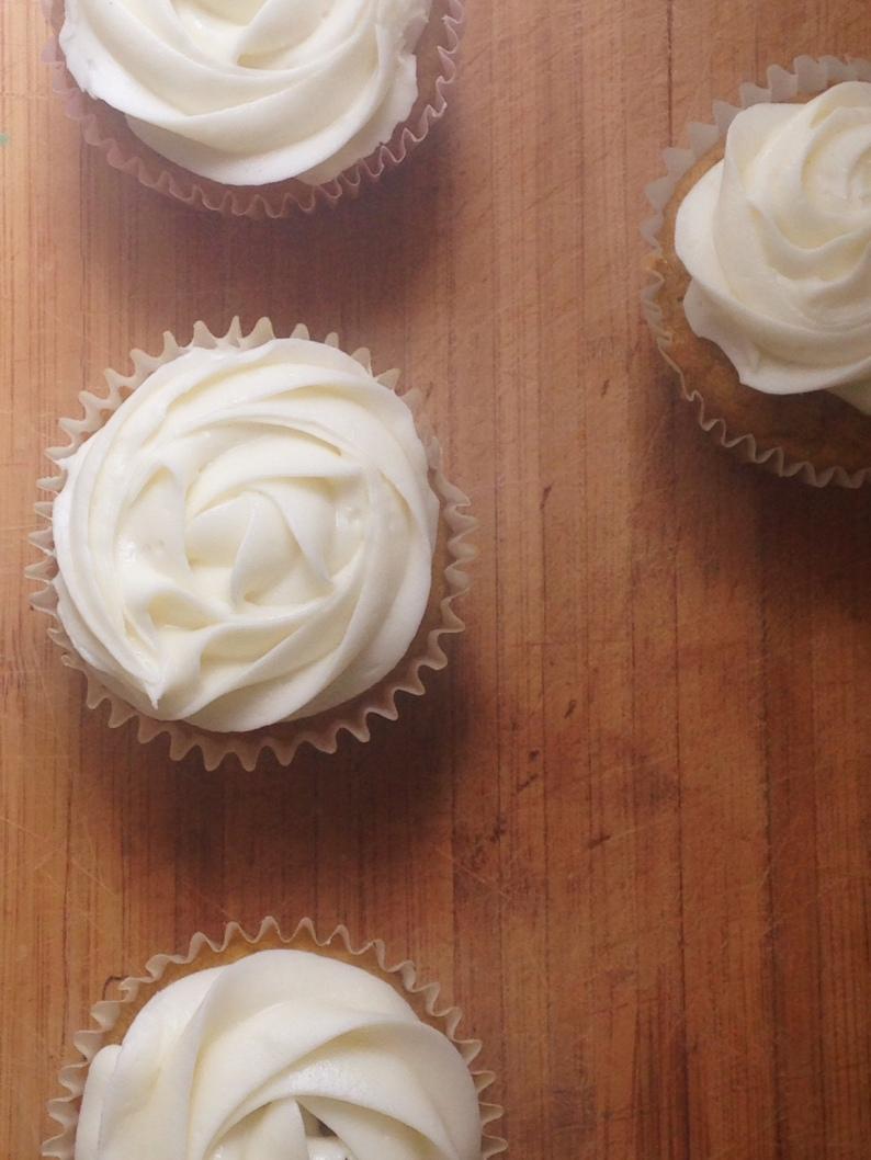 Rosette vanilla cupcakes II