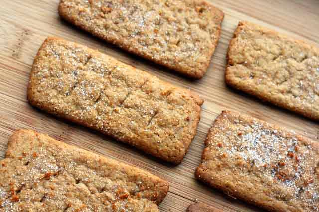 homemade-graham-crackers-recipe-4